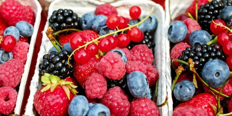Het eten van gezonde voeding draagt bij aan een gezonde levensstijl