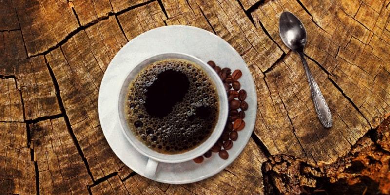 Koffie drinken voor het slapen gaan, kan uw nachtrust belemmeren
