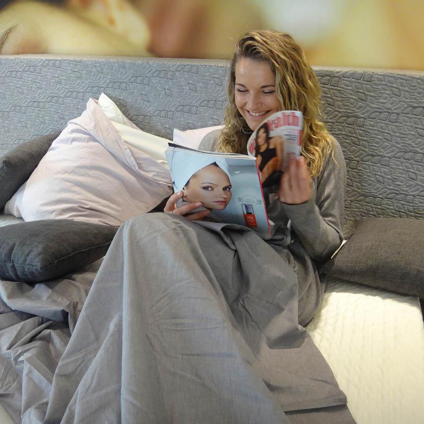 Een foto van een vrouw die gebruik maakt van de mogelijkheid om te proefslapen