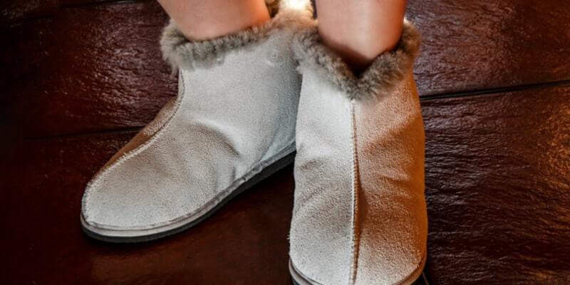 Vrouwen hebben vaker last van koude voeten en handen dan mannen.