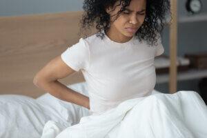 fysiotherapie: vrouw last van haar rug
