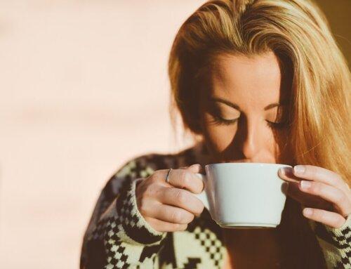 Een kop thee voor het slapen: wel of niet doen?